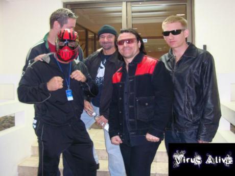 hu2_virus-alive
