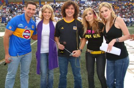 Arturo, Karla Luna, Burgos, Karla Panini, Lorena - Virus Alive